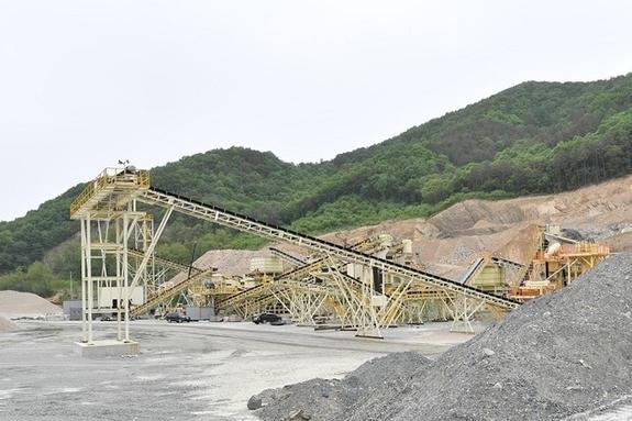[고산석산]수십억 상당 새기계 들여 논란